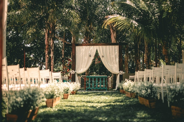 garden or outdoor wedding venue