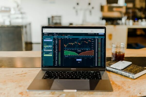 What is an Online Stock Trading Platform?