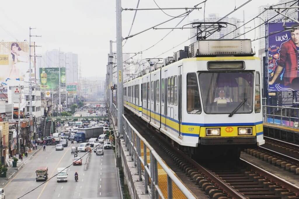 LRT-1 Stations Guide - Monumento Station