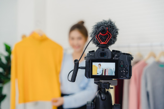 Small Business Ideas with Low Capital - Online Fashion Store