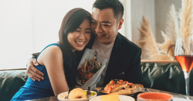hsbc gold visa review - 5% rebate on dining